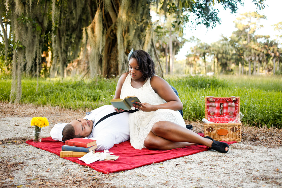 Romantic Picnic Under a Banyan Tree | The Majestic Vision Wedding Planning | Riverbend Park in Palm Beach, FL | www.themajesticvision.com | Krystal Zaskey Photography