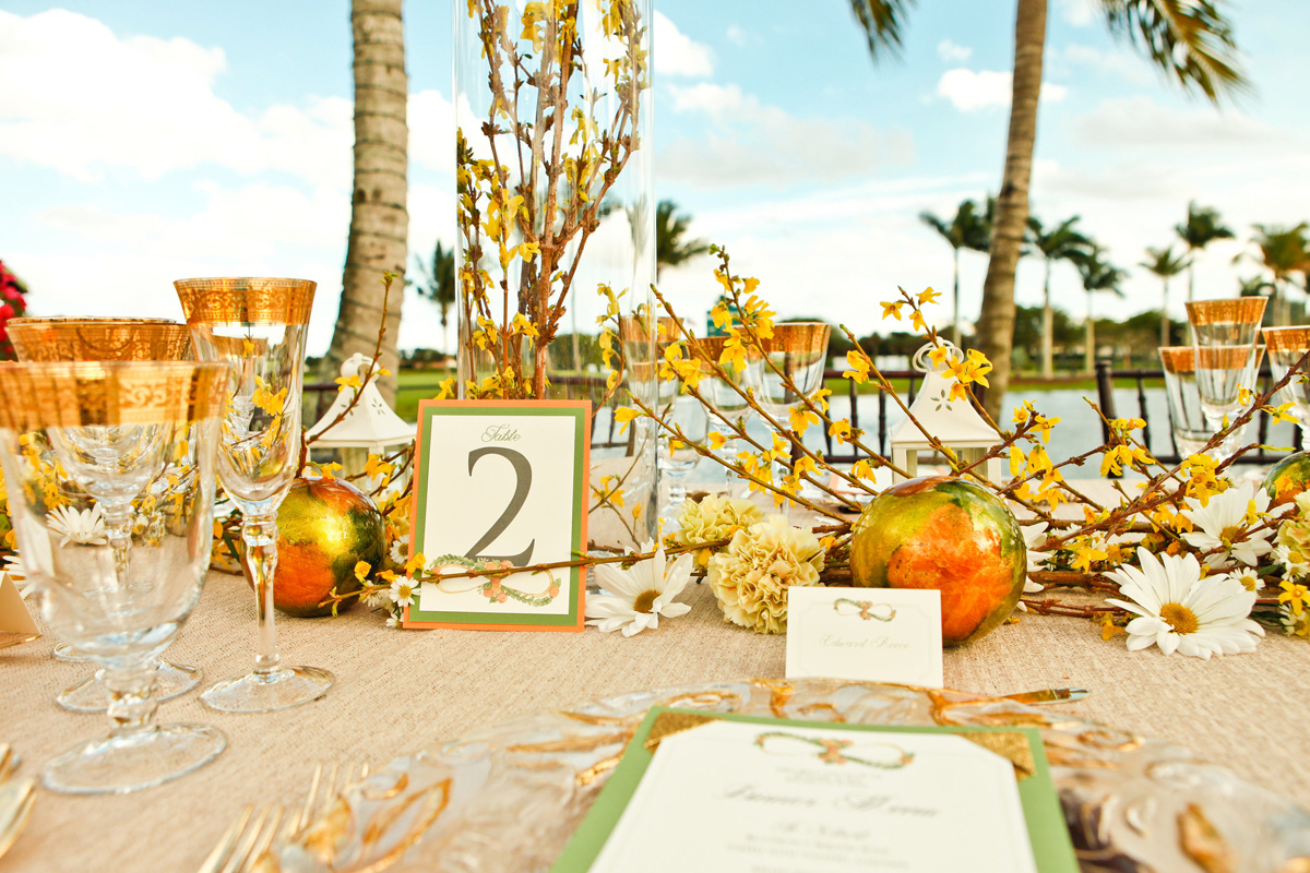 Elegant Orange and Gold Tablescape | The Majestic Vision Wedding Planning | International Polo Club in Palm Beach, FL | www.themajesticvision.com | Krystal Zaskey Photography