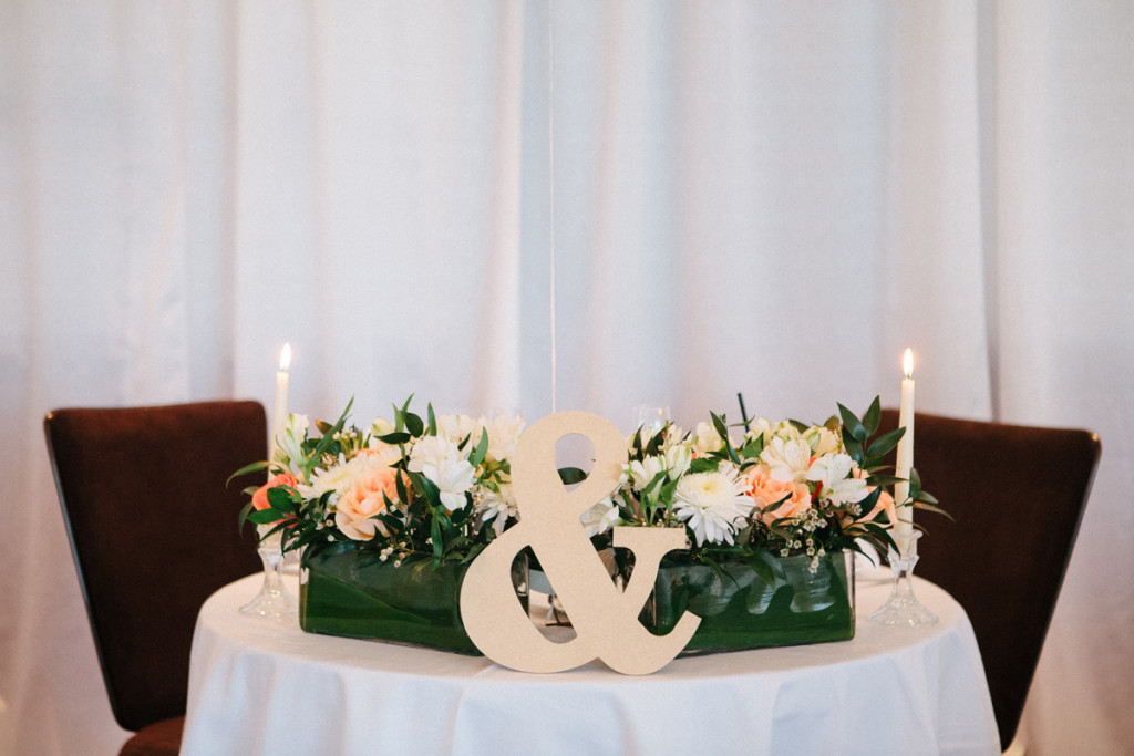 Modern Centerpieces with White Roses and Orange Roses | The Majestic Vision Wedding Planning | Marriott Singer Island in Palm Beach, FL | www.themajesticvision.com | Robert Madrid Photography