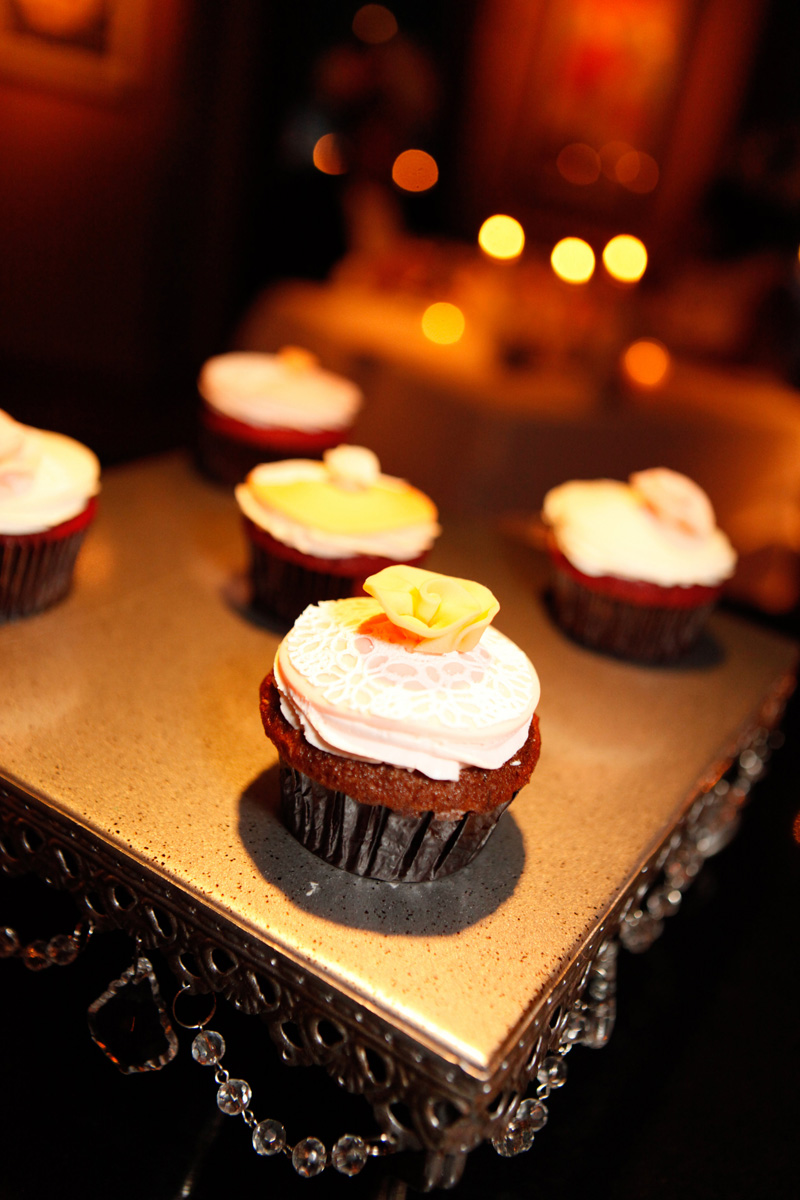 Romantic Pink and White Cupcakes | The Majestic Vision Wedding Planning | 32 East in Palm Beach, FL | www.themajesticvision.com | Krystal Zaskey Photography