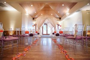 Elegant Purple and Coral Wedding Ceremony | The Majestic Vision Wedding Planning | Sailfish Marina in Palm Beach, FL | www.themajesticvision.com | Robert Madrid Photography