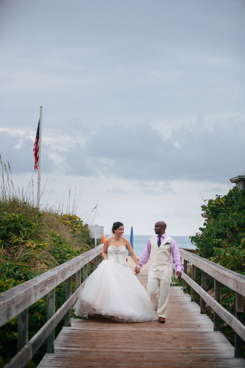 Elegant Bridal Portrait on the Beach | The Majestic Vision Wedding Planning | Sailfish Marina in Palm Beach, FL | www.themajesticvision.com | Robert Madrid Photography