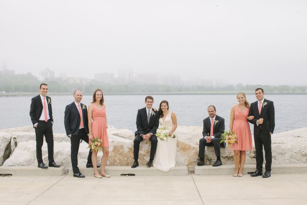 Elegant Bridal Party Portrait with Milwaukee Art Museum Background | The Majestic Vision Wedding Planning | Pritzlaff Building in Milwaukee, WI | www.themajesticvision.com | Lisa Mathewson Photography