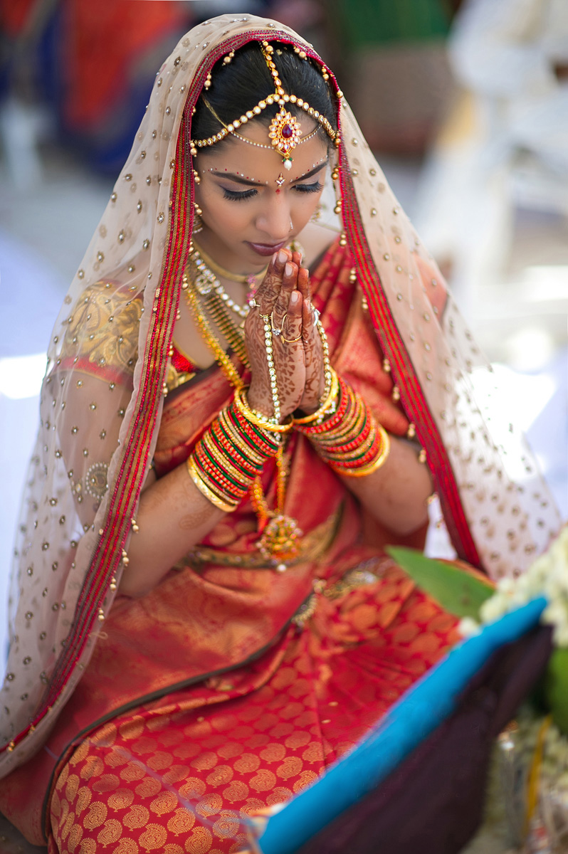 Elegant Praying Bride for Indian Wedding Ceremony | The Majestic Vision Wedding Planning | PGA National in Palm Beach, FL | www.themajesticvision.com | Haring Photography