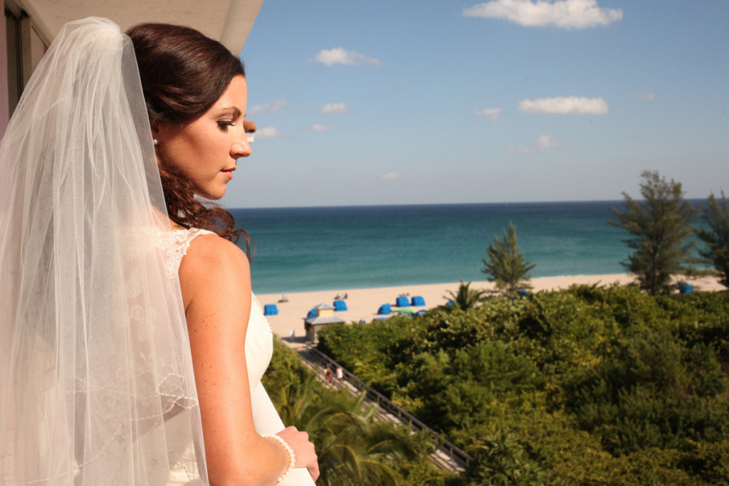 Elegant Bridal Portrait at the Beach | The Majestic Vision Wedding Planning | Palm Beach Shores in Palm Beach, FL | www.themajesticvision.com | Krystal Zaskey Photography