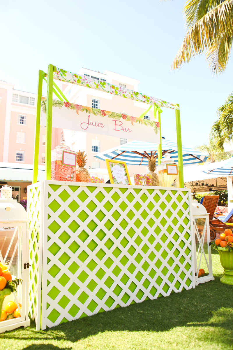 Elegant Lilly Pulitzer Inspired Juice Stand for Cocktail Hour | The Majestic Vision Wedding Planning | The Colony Hotel in Palm Beach, FL | www.themajesticvision.com | Krystal Zaskey Photography
