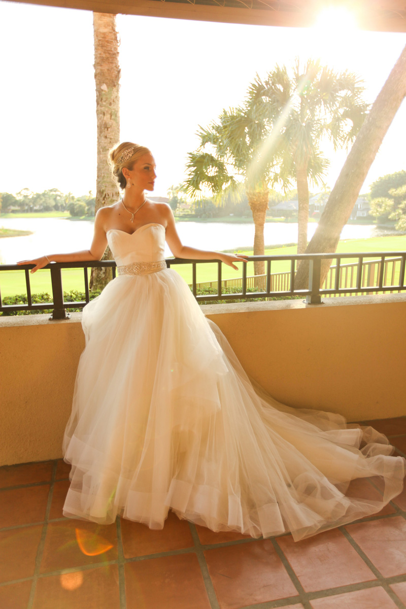 Romantic Bridal Portrait | The Majestic Vision Wedding Planning | Breakers West in Palm Beach, FL | www.themajesticvision.com | Krystal Zaskey Photography
