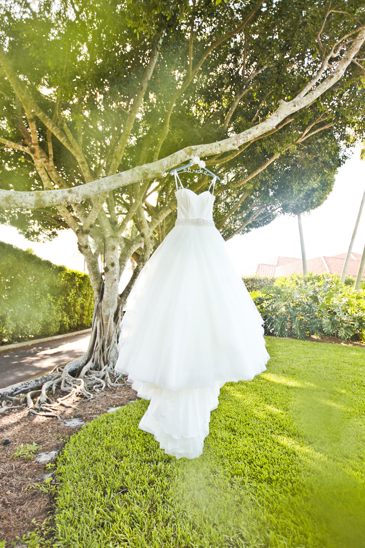Elegant Bridal Gown | The Majestic Vision Wedding Planning | Breakers West in Palm Beach, FL | www.themajesticvision.com | Krystal Zaskey Photography