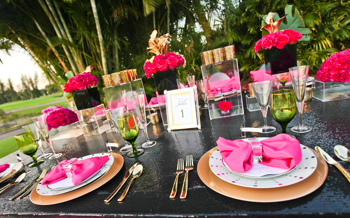 Kate Spade Inspired Modern and Elegant Pink, Gold and Black Glitter Wedding Tablescape | The Majestic Vision Wedding Planning | Breakers West in Palm Beach, FL | www.themajesticvision.com | Krystal Zaskey Photography