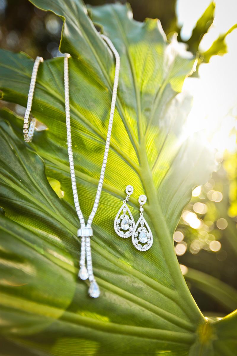 Elegant Diamond Bridal Accessories   The Majestic Vision Wedding Planning   Breakers West in Palm Beach, FL   www.themajesticvision.com   Krystal Zaskey Photography