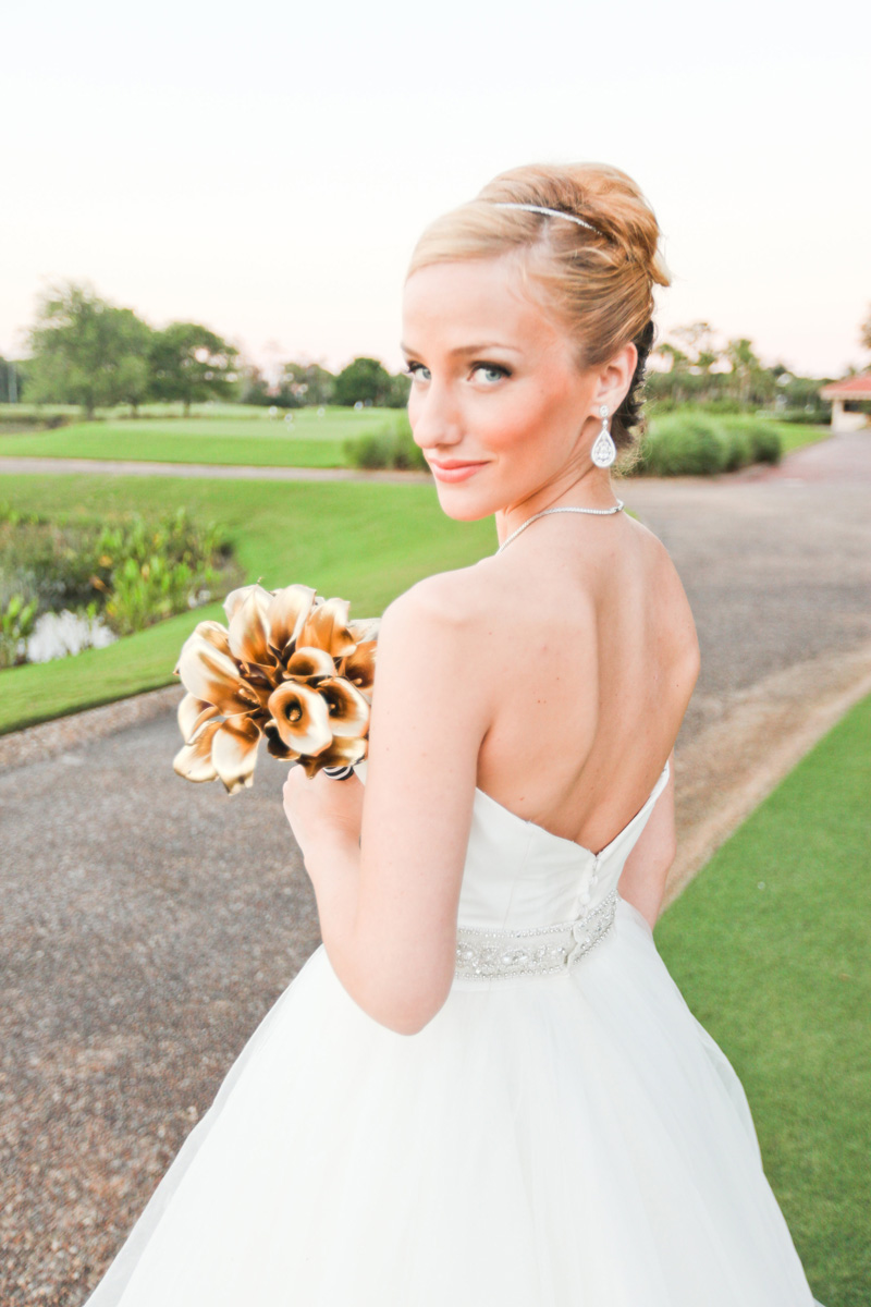 Modern Bridal Bouquet with Gold Tulips Wrapped in Black and White Fabric | The Majestic Vision Wedding Planning | Breakers West in Palm Beach, FL | www.themajesticvision.com | Krystal Zaskey Photography