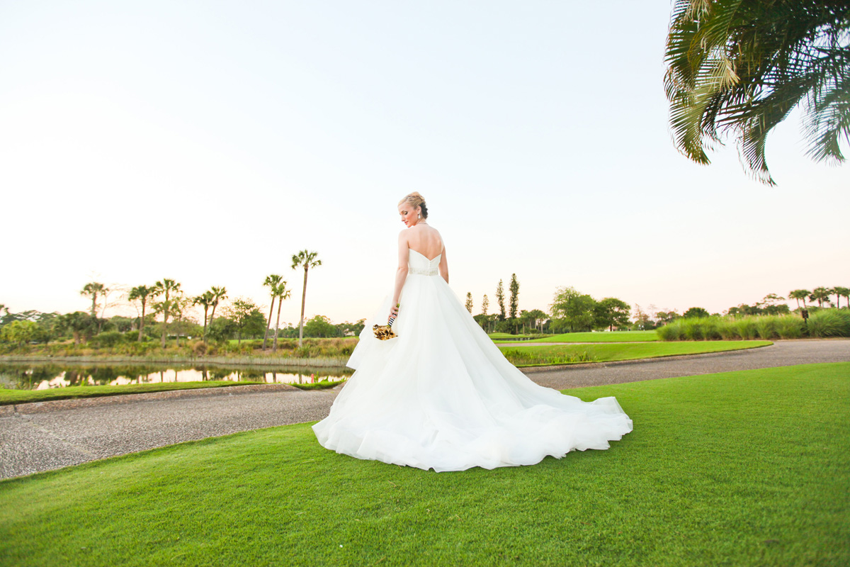 Stunning Bridal Portrait on Golf Course | The Majestic Vision Wedding Planning | Breakers West in Palm Beach, FL | www.themajesticvision.com | Krystal Zaskey Photography