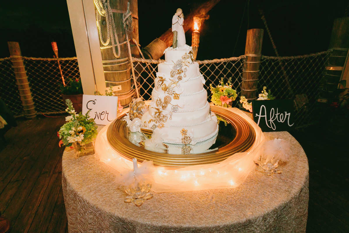 Elegant White Wedding Cake with Brooch Cascade | The Majestic Vision Wedding Planning | Palm Beach Zoo in Palm Beach, FL | www.themajesticvision.com | Robert Madrid Photography