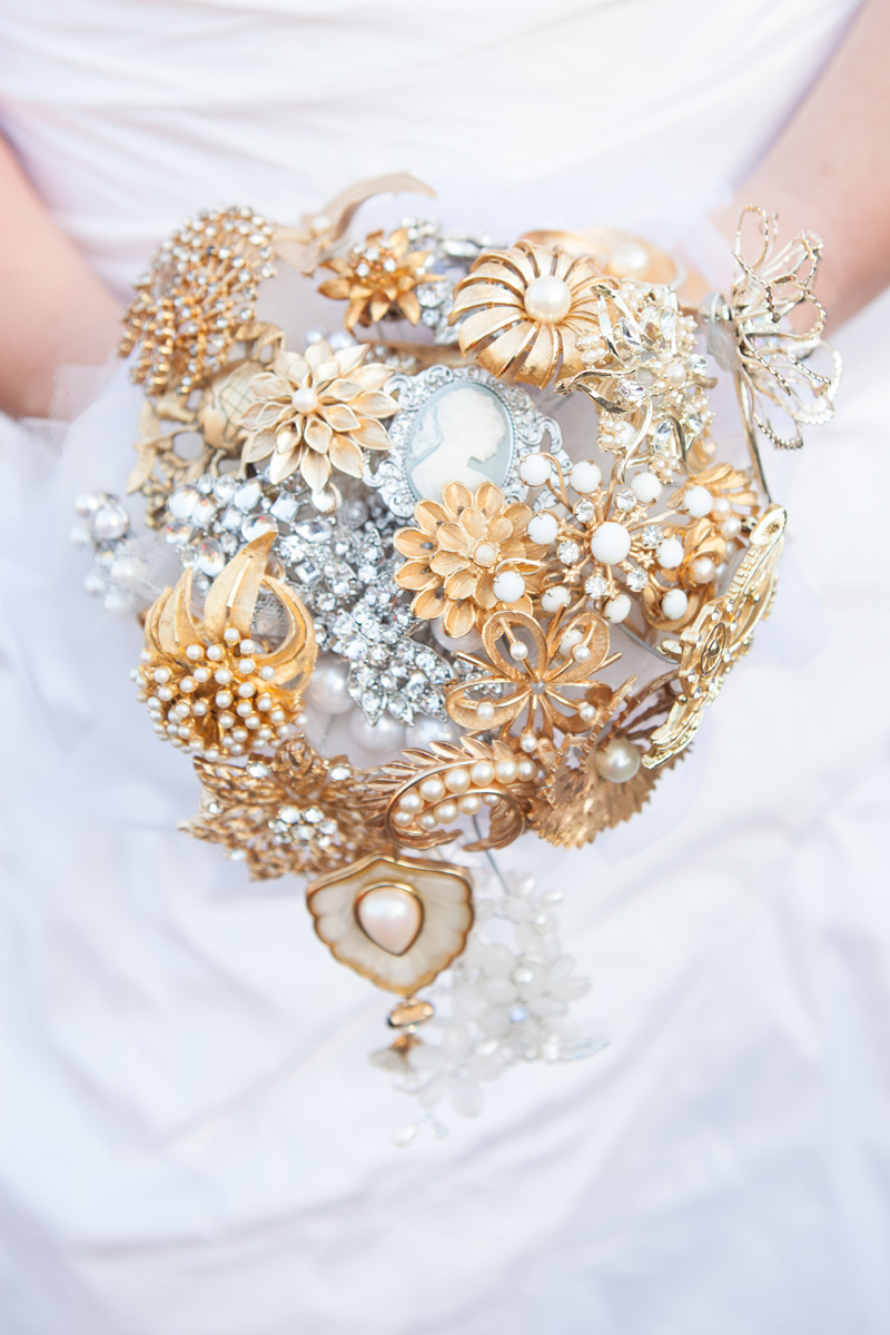 Stunning Brooch Bouquet | The Majestic Vision Wedding Planning | Palm Beach Zoo in Palm Beach, FL | www.themajesticvision.com | Robert Madrid Photography