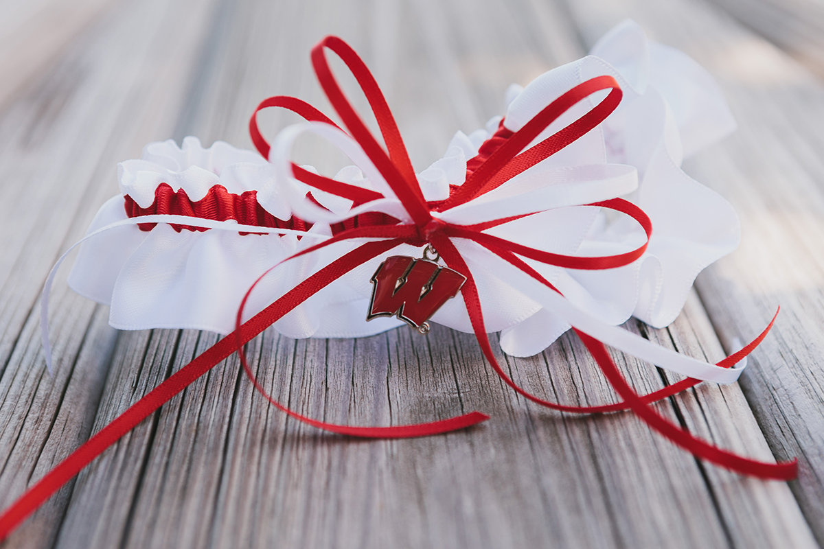 University of Wisconsin Garter   The Majestic Vision Wedding Planning   Palm Beach Zoo in Palm Beach, FL   www.themajesticvision.com   Robert Madrid Photography