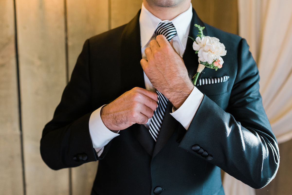 Handsome Groom Getting Ready   The Majestic Vision Wedding Planning   Rustic Manor in Milwaukee, WI   www.themajesticvision.com   Elizabeth Haase Photography